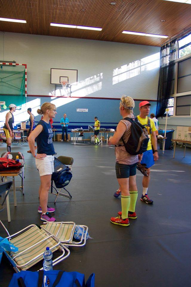 In de hal. Met Andrina en Nico. Foto: Bas Huizinga