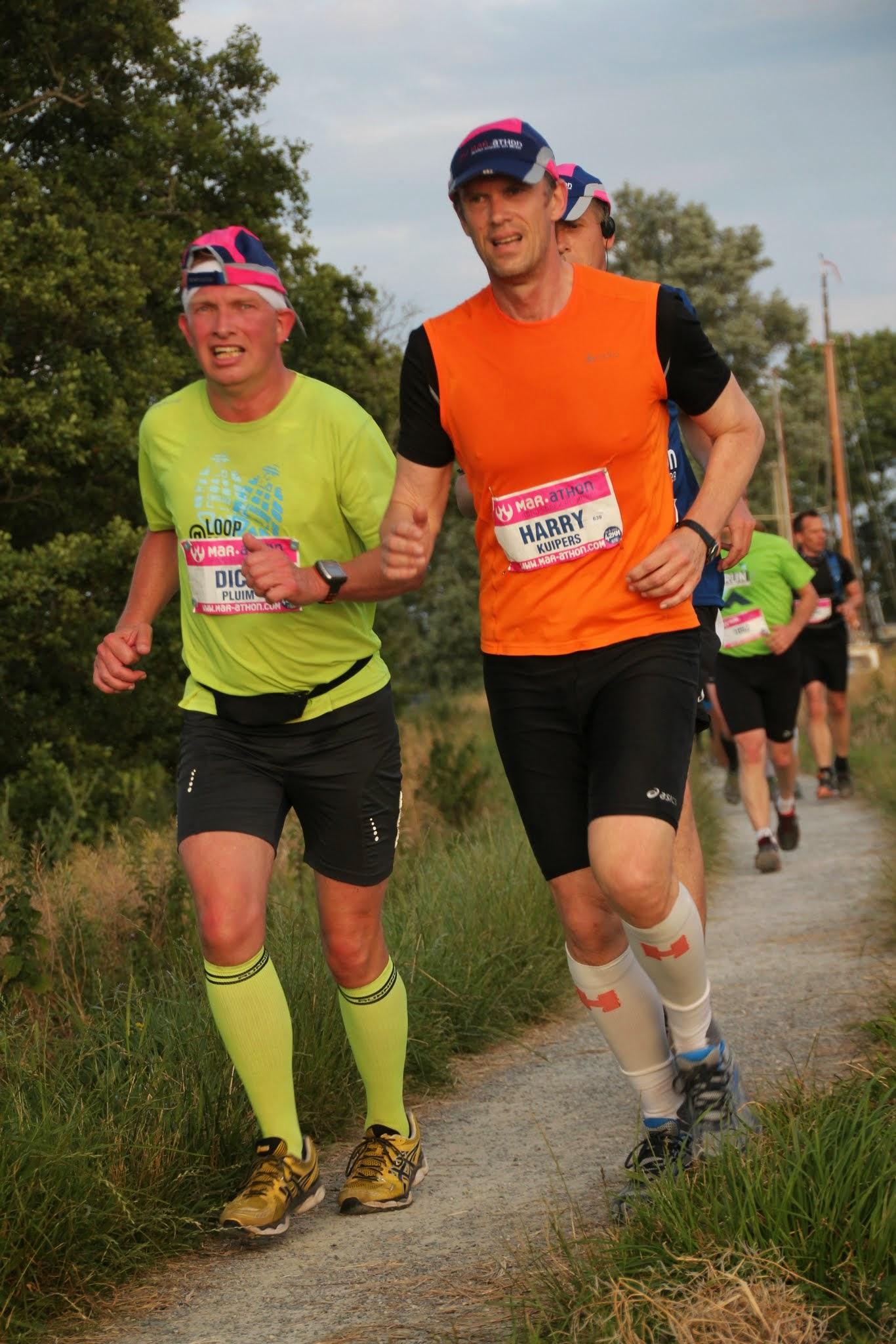 Mooie maar toch zware marathon rond het Sneekermeer